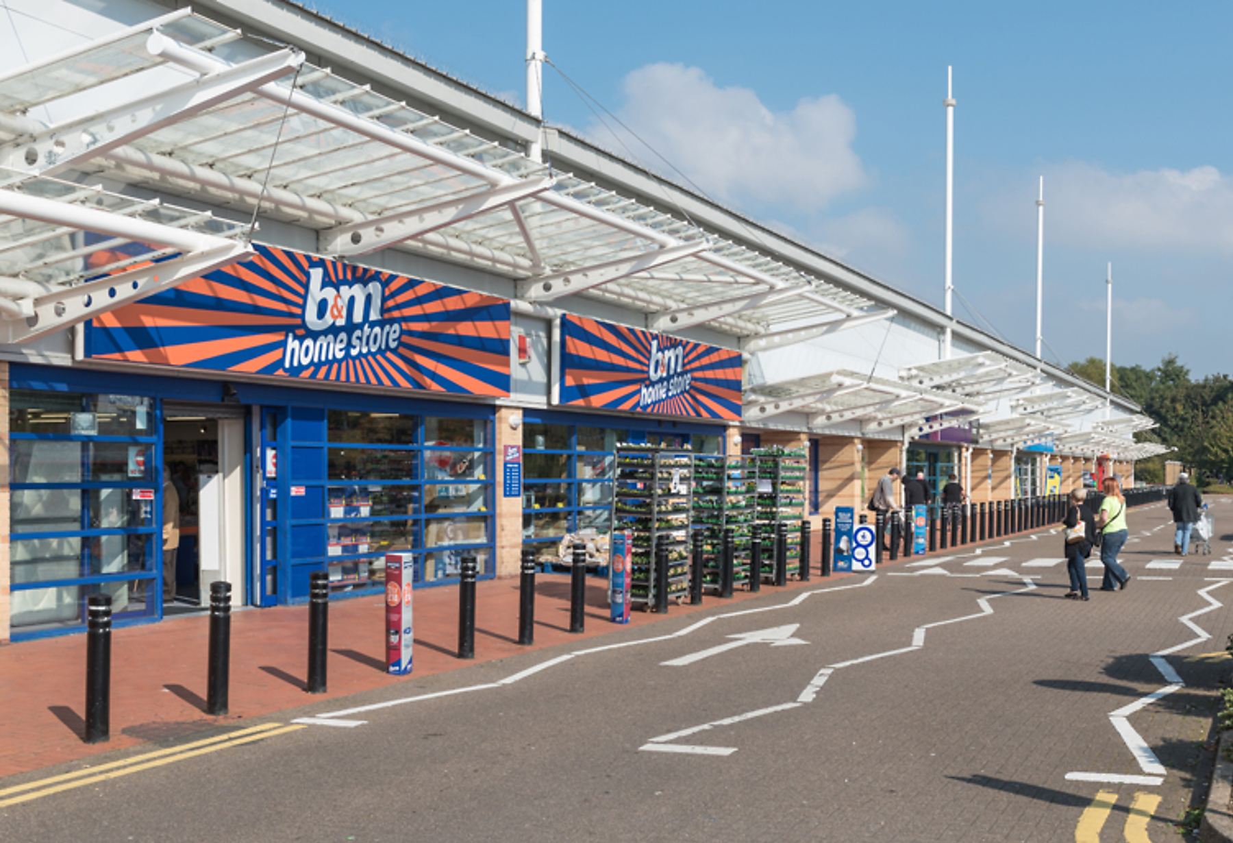 CR_RW_2295_Cardiff_Bay_Retail_Park_Cardiff_picture_7_p8_1800x1440