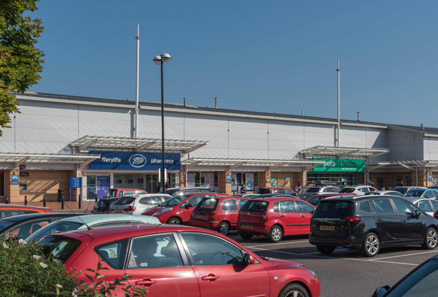 CR_RW_2295_Cardiff_Bay_Retail_Park_Cardiff_picture_9_p8_1800x1440