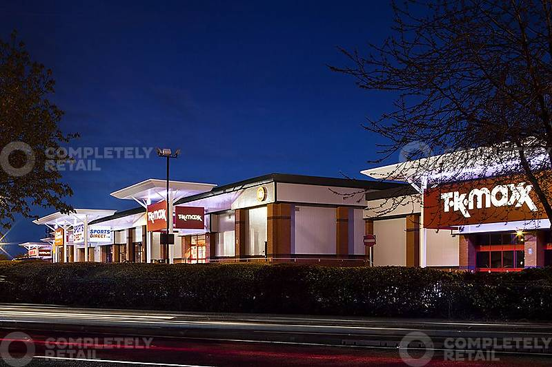 CR_RW_3095_Chilwell_Retail_Park_Nottingham_picture_10_p7_800x533